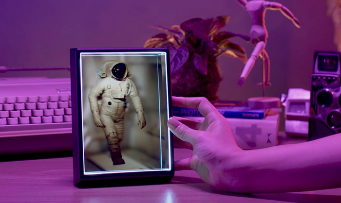 Create Your Own Holograms From Photos and Videos
