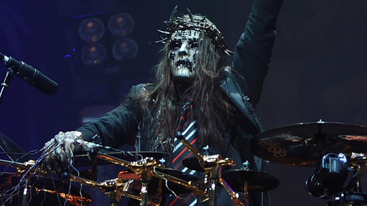 Joey Jordison the greatest drummer of the world.