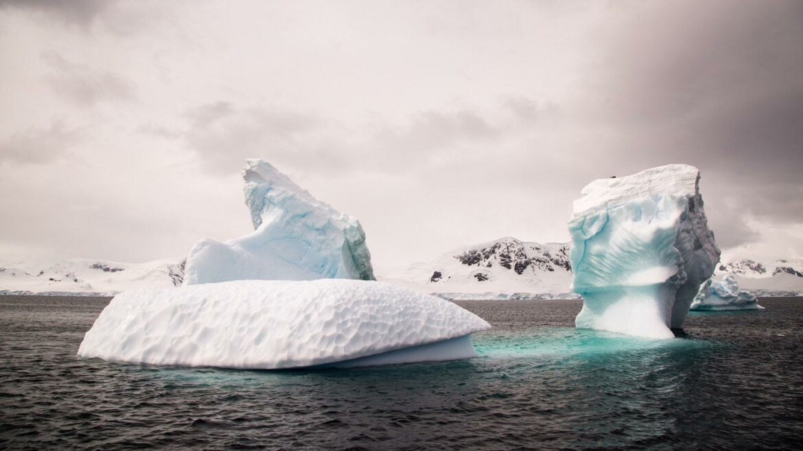 Melting of ice leading to rising sea level, warn experts!
